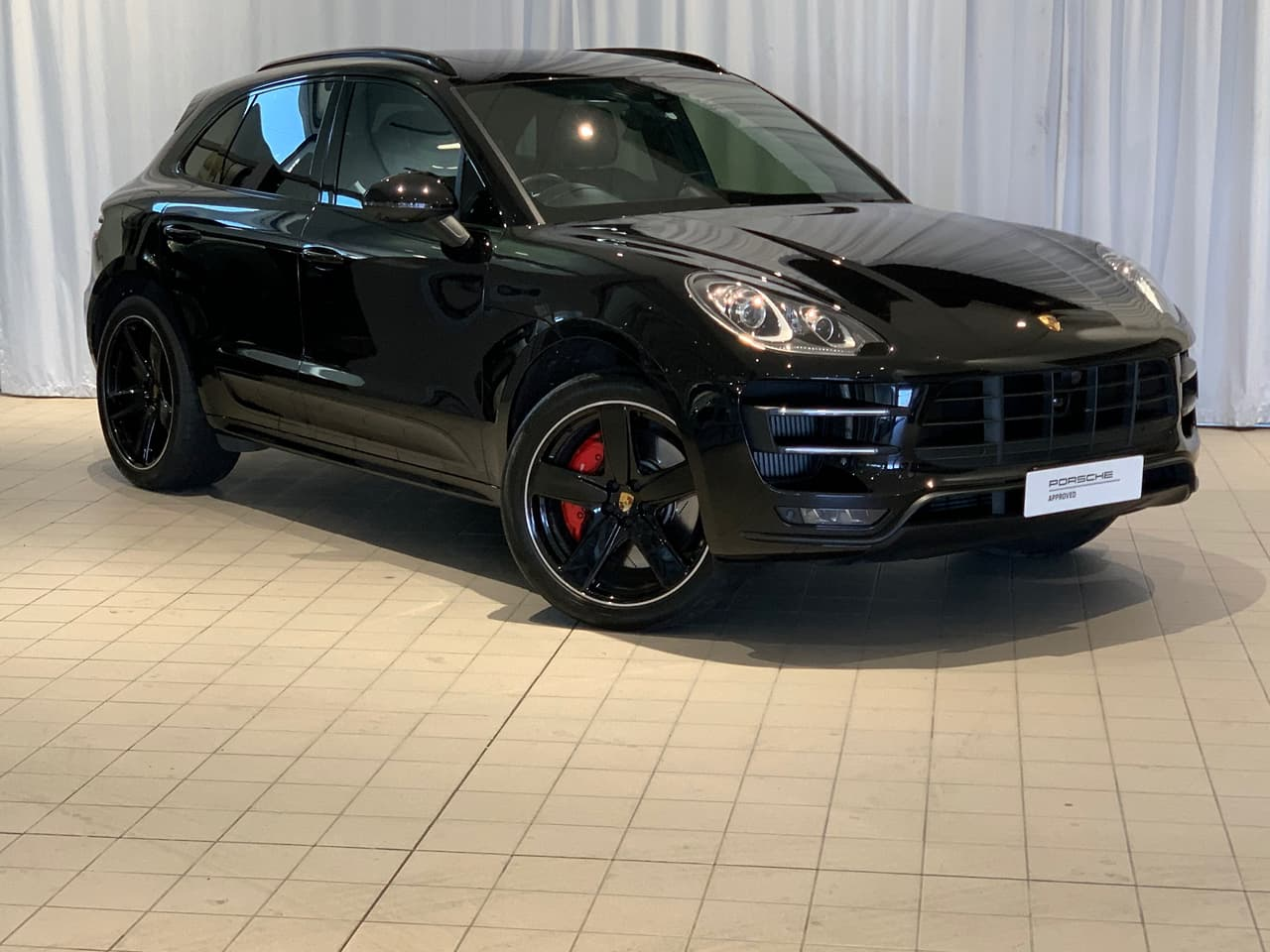 2017 PORSCHE MACAN Turbo with Performance Package WAGON